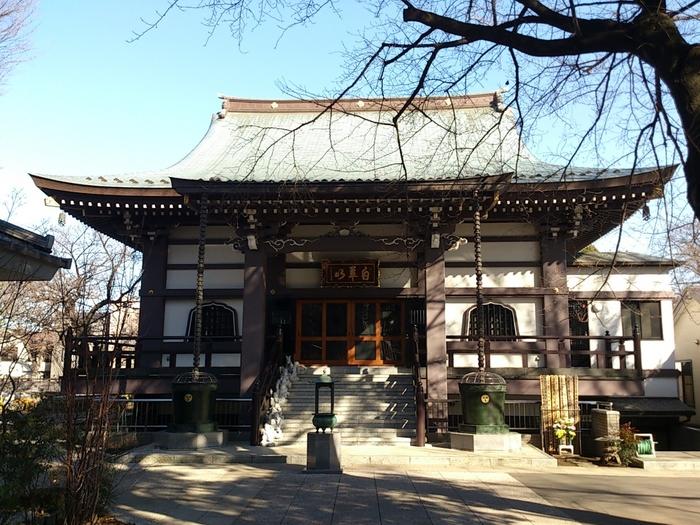 千駄木の養源寺にて、隔月(偶数月)の日曜日に開催される「&SCENE手創り市」。会場の養源寺は、東京メトロ南北線の本駒込駅から、徒歩3分ほどの場所にあります。手創り市以外にも、コンサートやフリーマーケットなど、さまざまなイベントを開催しているお寺です。