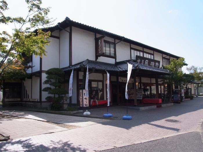 小布施駅から650mほどの距離にある「栗庵 風味堂」。