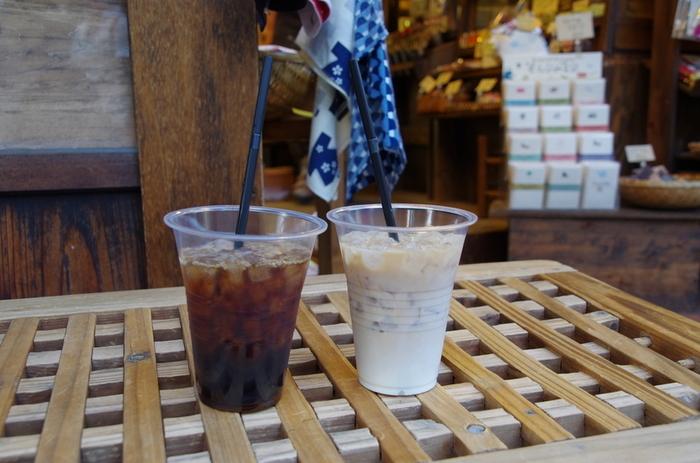 人気のアイスコーヒーは、8時間かけてじっくりと水出ししているのだとか。散策の合間にちょっと一息入れたいときに、立ち寄ってみませんか?