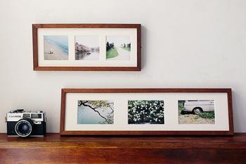 家族が揃った目線アリの記念写真もステキですが、いかにも!という1枚ではない自然な写真も絵になります。旅先で出合った季節の花や、歩いた道など、何気なく撮った写真をインテリアにしてみるのもおすすめです。