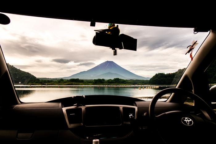 ドライブの醍醐味と言えばやっぱり美しい景色。マイナスイオンでリフレッシュしたり、パワースポットで元気をチャージするのもいいですね。