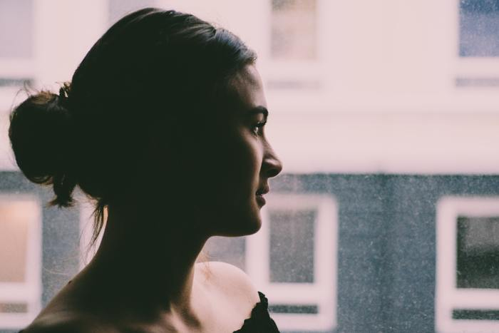 人よりも「ため息」の回数が多いと感じたら、「ため息」を抑えることよりもなぜ「ため息」が出るのかその原因を考えてみましょう。