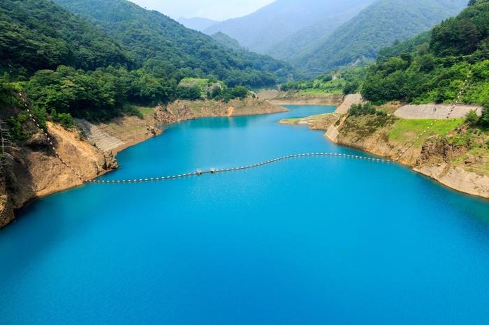自然が織りなす神秘の「四万ブルーShima Blue」を求めて、出掛けてみませんか?