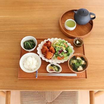 毎日の食事でも、目標を立てることができます。食事は健康管理や美容、心の状態にも関係します。必ずしも毎食手作りをしなければならないわけではないので、自分のライフスタイルに合った食生活を目指してくださいね。