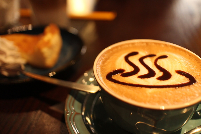 名物の「温泉マークカプチーノ」は、要チェックです!イタリアンスタイルの本格コーヒーは、ビジュアルだけでなくお味も期待できます。
