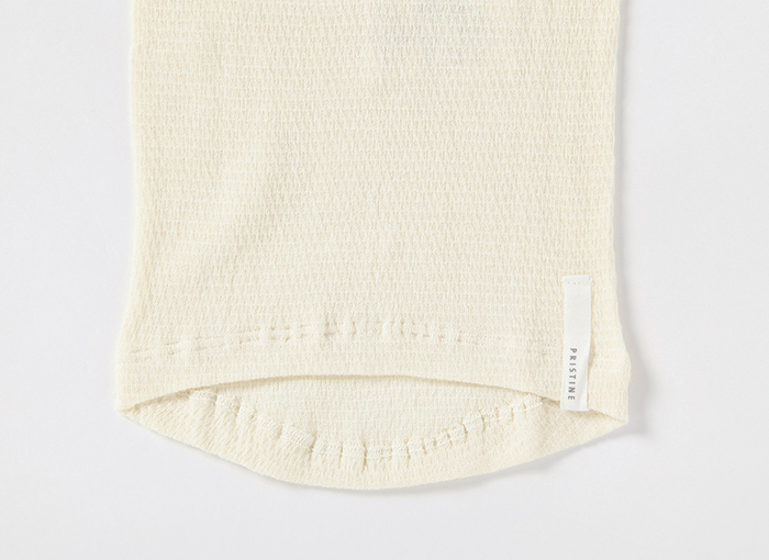 冷え対策には、腰とお腹を温めること。薄着になる夏でも、洋服にひびきにくい薄手の素材で、ゆったりとしたデザインがおすすめです。