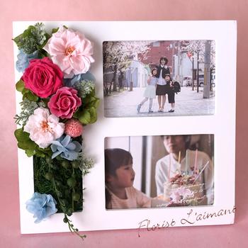 家族の想い出写真やお子さまの入園・入学などの記念日の写真を入れて贈ってもいいですね。お父さんも、眺めるたびについつい笑顔になってしまいそうです。