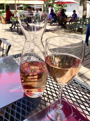 ワインの本場、フランスならではのお楽しみも。月に1回開催されるのワイン・セミナーや、パリ祭、音楽の日、美食の祭典、ボジョレーヌーボーパーティーなど、フランス文化にちなんだ大規模なお祭りもあるので、楽しんでみませんか?