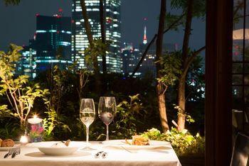 東京の夜景を愛でながらのディナーもロマンティックで素敵♪