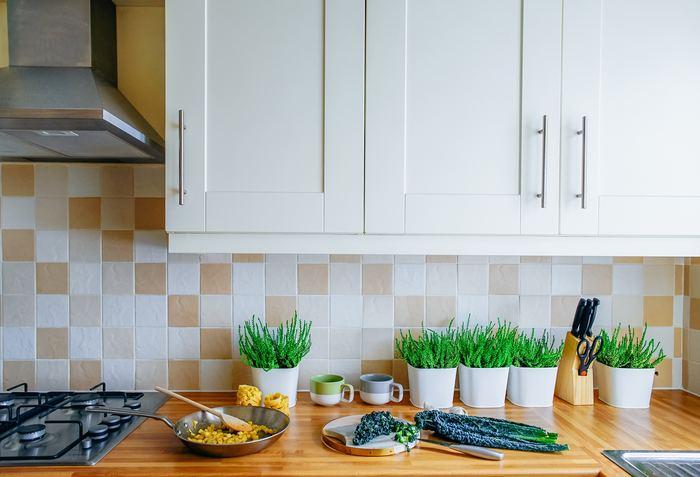今回は、そんな「使い勝手のよいキッチン」をつくるための、収納アイデアをご紹介していきます!