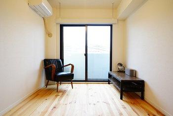 「持たない」暮らしはもはやブーム以上に定番になっています。とにかくモノを減らして、すっきりとしたお部屋にしてみるのも一考です。シンプルisベスト。