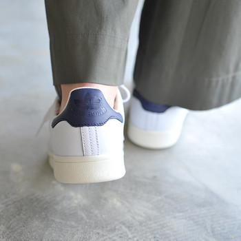 靴にはその人を表すチェックポイントがいくつかあります。あまり細かなことまで気にしない人は、靴が汚れていても平気かもしれません。片方の靴のかかとが極端に減っていたら、歩き方や姿勢が悪いと考えられます。紐の結び方には、几帳面な性格が現れているものです。
