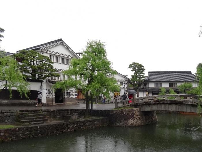 倉敷は、元々中国・四国地方の物資の集散地として重要な場所でした。関ヶ原の戦い以後、江戸幕府の天領となり、倉敷代官所がおかれていました。