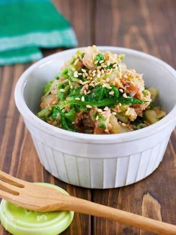 白菜を千切りにして湯かけすることで、食感を残してサラダ感覚で食べることができます。ツナと鰹節の旨味を活かした和風和え、あと一品におすすめです!