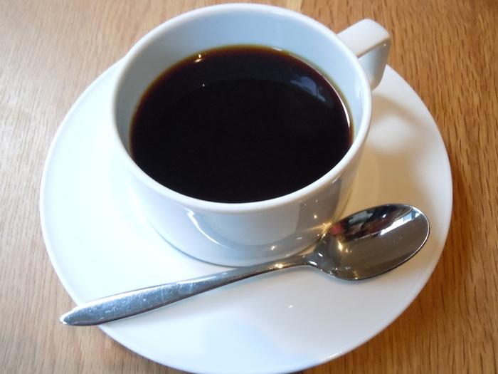 ブラジルといえば、世界一の生産量を誇るコーヒー。こちらでは、中煎り、深煎り、ノンカフェインの3種類があります。 また、ブラジルでポピュラーなマテ茶も味わえます。