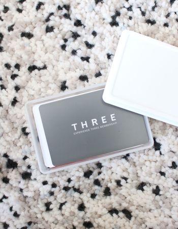 あると便利なポイントカード。一枚一枚は薄いですが、財布に何枚も入れておくとかさばって、財布がパンパンになってしまいます…。使わないカードは家に置いて、使用頻度が高いカードだけを財布に入れて持ち歩きましょう!