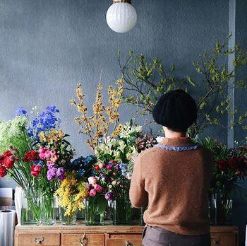 先ほどご紹介したように、花にはそれぞれ花言葉があり、花の色によってもかなり意味が変わってきます。お父さんに贈りたい言葉をお花に込めてセレクトしてみましょう。