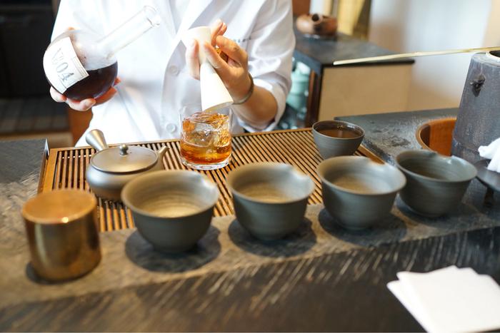 """""""「お茶」の新しい愉しみや価値観を広げ、進化させていきたい── """"との思いから、 お茶が奏でる安らぎを創造し、研究している「櫻井焙茶研究所」。"""