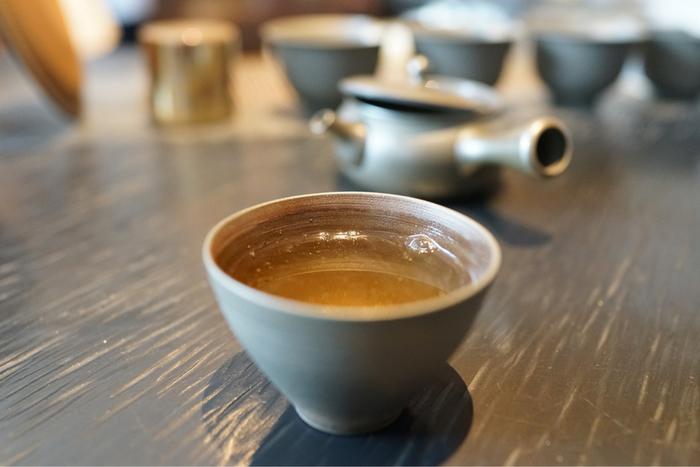 いかがでしたか?和のアフタヌーンティーをいただけたり、日本茶ソムリエがいたり、カウンターで作り立ての和菓子とお茶をいただけたり、そんな大人の楽しみ方ができる日本茶専門店の数々。ぜひ父の日のプレゼントに、都内の美味しいお茶屋さんに出かけて、親子で素敵な想い出を作ってみてはいかがでしょうか。