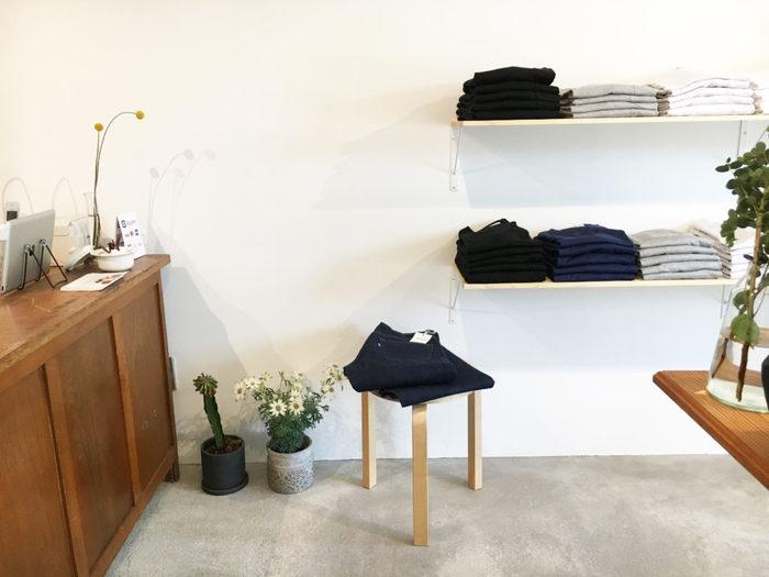 そんなこの春オープンした「middle」のお店は、お店の場所から空間の細部に至るまで、オーナー夫妻が心地よさにこだわった居心地の良いお店。