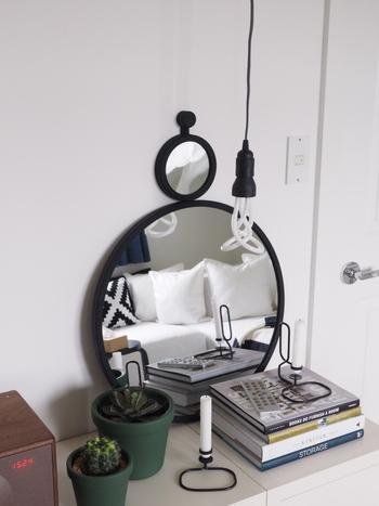 例えば、庭のグリーンや、お気に入りのコーナーなど、鏡の向こうの空間を意識して、ミラーを配置してみましょう!