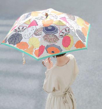 憂鬱な雨の日も、お気に入りのレイングッズがあれば気持ちも明るくなれるはず♪天気が悪くてもモチベーションを保てるようなレイングッズを揃えて、雨の日をもっと楽しんでみませんか?
