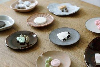 今回は、プレゼントにもおすすめな、可愛いデザインの干菓子をご紹介していきます。干菓子のイメージががらりと変わってしまうかも♪