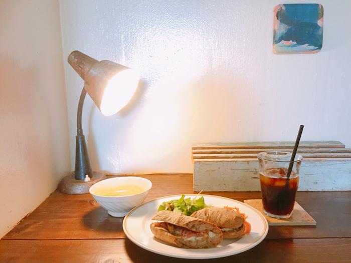 サンドウィッチ系のプレートセットも楽しめますよ。こちらは、生ハムやブルーチーズ、いちじくが挟まれています。確実に美味しい組み合わせですよね♪