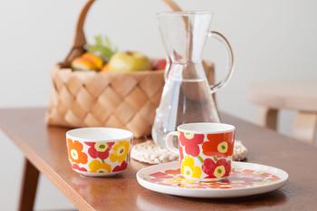 シリーズのカップもあるから、揃えて使えば一層楽し気に。もちろん色違いで揃えてもオシャレ。形が同じだから、統一感が自然に出ます。