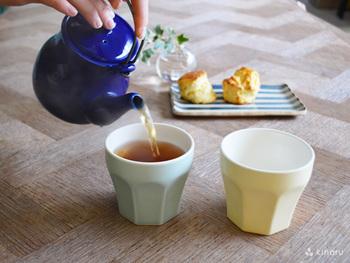 ティーカップとしては勿論、取っ手が付いていないので、デザートやお食事と幅広く活躍する優れもののアイテム。冷やし固めて作るプリン作りにおすすめです。また、食洗器や電子レンジにも対応しているのも嬉しいポイント!