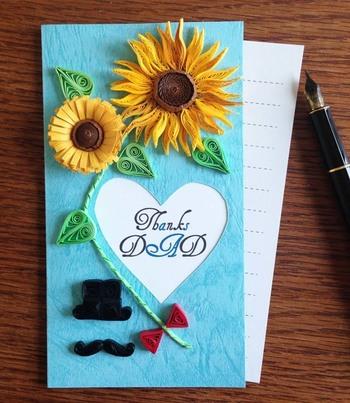 """紙で作ったパーツを色々組み合わせて作るヨーロッパ発祥の""""ペーパークイリング""""のカード。お父さんの趣味のものや好きな花・色で飾って華やかに。"""