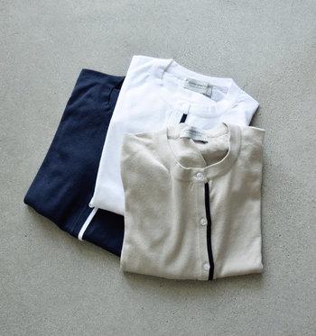 定番のクルーネックで、一枚で着てもTシャツに重ねても様になる使い勝手の良さも魅力◎。袖口にはビビッドなカラーがあしらわれていて、ちょっとした遊び心も感じられます。