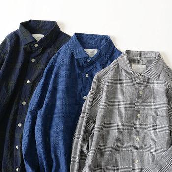 カラー展開はグレー、ブルー、ネイビーの3色。いずれもクラシカルで落ち着いた色合いです。