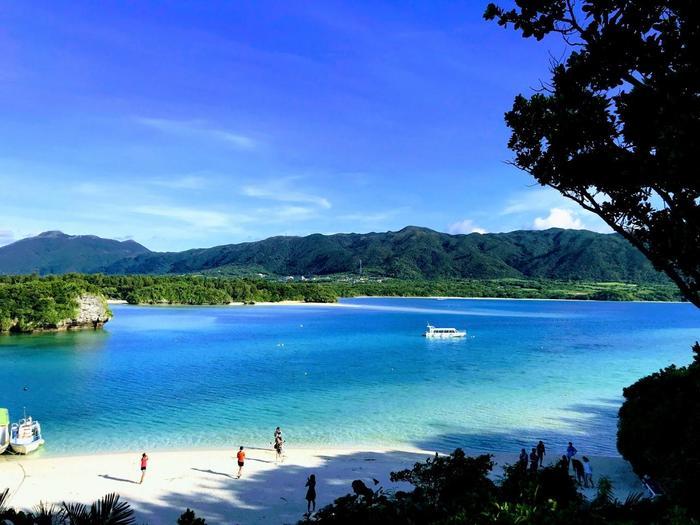 開放的な雰囲気を楽しめる沖縄は、何度でも訪れたいスポットですね。他の旅人や地元の人との交流を楽しめるホステル・ゲストハウスで、リゾートライフを満喫しちゃいましょう♪