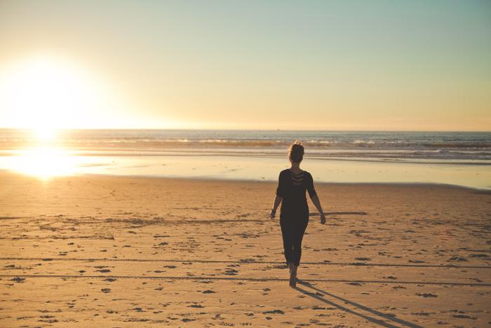 おひとりさまにとって老後は少し不安かもしれません。おひとりさまが楽しく生き生きと老後を過ごすためには、今のうちから漠然とした老後の生活費をきちんと割り出し、その額を今から計画的に貯金していく必要があります。さらには体力がなくてもできるような自分を活かせる仕事を見つけておくこと。そして自分がずっと続けていきたい一番好きなことを見つけておくことが大事です。