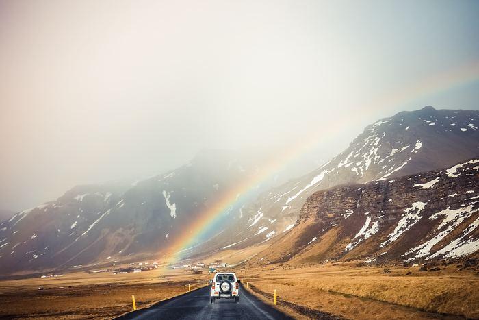普段話せないことも、車の中なら不思議とすんなりできてしまう。それがドライブのいいところです。たくさん話して、たくさん笑って、久しぶりにお父さんに甘えたり、頼ったりするのもアリ。お父さんの久しぶりの満面の笑みが見られるといいですね♪