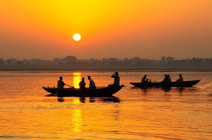 アーユルヴェーダはインドに古来より伝わる伝統医術で、とても奥の深いもの。今回ご紹介しただけでは、アーユルヴェーダの全てはとても網羅できませんが、自分のドーシャのタイプを知って、日常の食生活に気をつけるなど、上手にアーユルヴェーダをあなたの暮らしの中にも取り入れてみてくださいね。