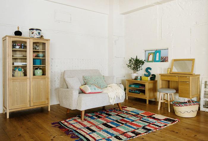 意外と合うのが、北欧テイストとエスニック。北欧らしいナチュラルな家具に、エスニックのカラーがアクセントとなっておしゃれな空間になりますよ。