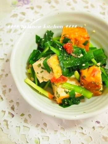 厚揚げはトースター、ニラはレンジでチンする簡単な和え物。梅干を使っているのでさっぱりとした味わいで、これからの季節にぴったり♪野菜はニラだけですが、厚揚げで食べ応えもバッチリ◎