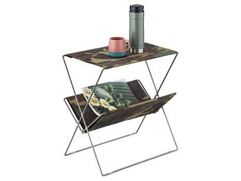 コットン生地の折りたたみサイドテーブルですが、天板には重たいものもちゃんと置ける丈夫な作りで安心。シーンに合わせて持ち運びしやすいコンパクトサイズなところも◎