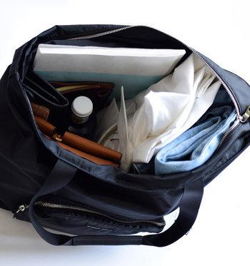 着替え・お財布・手帳・ポーチ・ペットボトル・A4ノートなどザクザク収納できます。スポーツジム用、レジャー用としてもおすすめ。