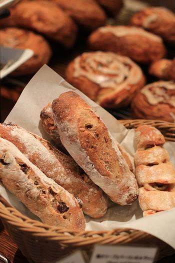 サンドイッチやバゲット、フォカッチャなど約80種のパンがずらり。特にフランスのトラディショナルなパンが人気みたいです。