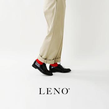 VINTAGEを元にしながら旧き良き要素を大切に残している「LENO」のハンドリンクドシームレスソックス。エジプト綿の美しい光沢感と優しい履き心地が特徴です。