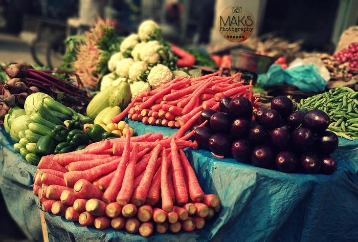 新鮮な食材をすぐに茹でておけば、生のままよりも美味しい状態を長くキープすることができます。とくに、生の状態で保存するとしんなりとしがちな青菜はゆでおきにおすすめの食材です。