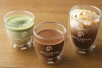 こちらはチョコレートドリンクで、濃厚なチョコレートとクリーミーなミルクのコラボレーションが楽しめます。この3種類以外にも、様々な味が楽しめます!