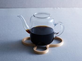 フィンランドの人気テーブルウェアブランド「マヤムー(majamoo)」のシンプルでオシャレな白樺のポットスタンド(鍋敷き)。