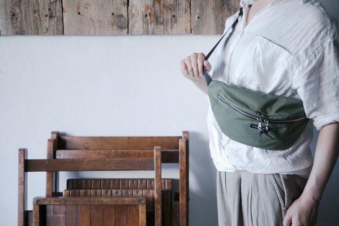 ウエストポーチは、両手が使えて動きやすさ抜群!夏の外遊びの際に快適なバッグです。昨年からじわじわと人気が急上昇中のアイテムなので、おすすめアイテムとコーデをチェックしておきましょう♪