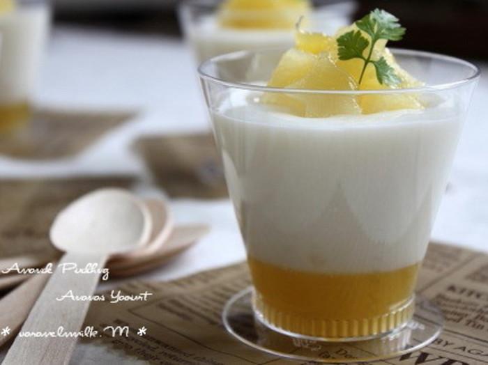 ヨーグルトを使った杏仁豆腐。こちらではパイナップルジャムを使用していますが、お好みで違うジャムでも◎パイナップルを使うとトロピカルなお味のスイーツに。