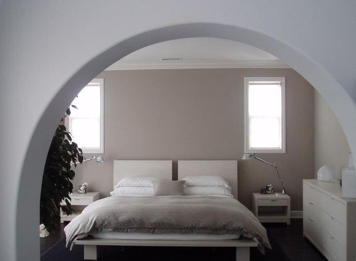 ベッドや布団の配置の仕方によって、眠りに影響が出てくることをご存知ですか?安眠に導くための寝室づくりのポイントを、いくつかご紹介していきます。