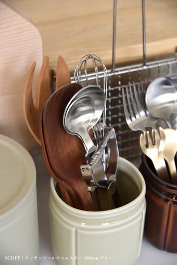 お弁当に使う調理器具も清潔なものを使うように気を付けます。汚れがついていないのはもちろん、しっかりと乾燥したものを使うようにしましょう。こちらも使う前にパストリーゼなどをかけておくといいですね。